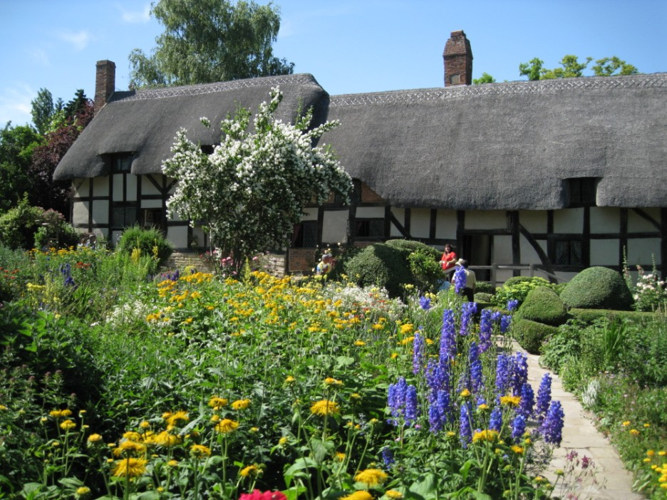 English Gardens Tour incl Hampton Court Flower Show, Hever ... Anne Hathaway S Cottage