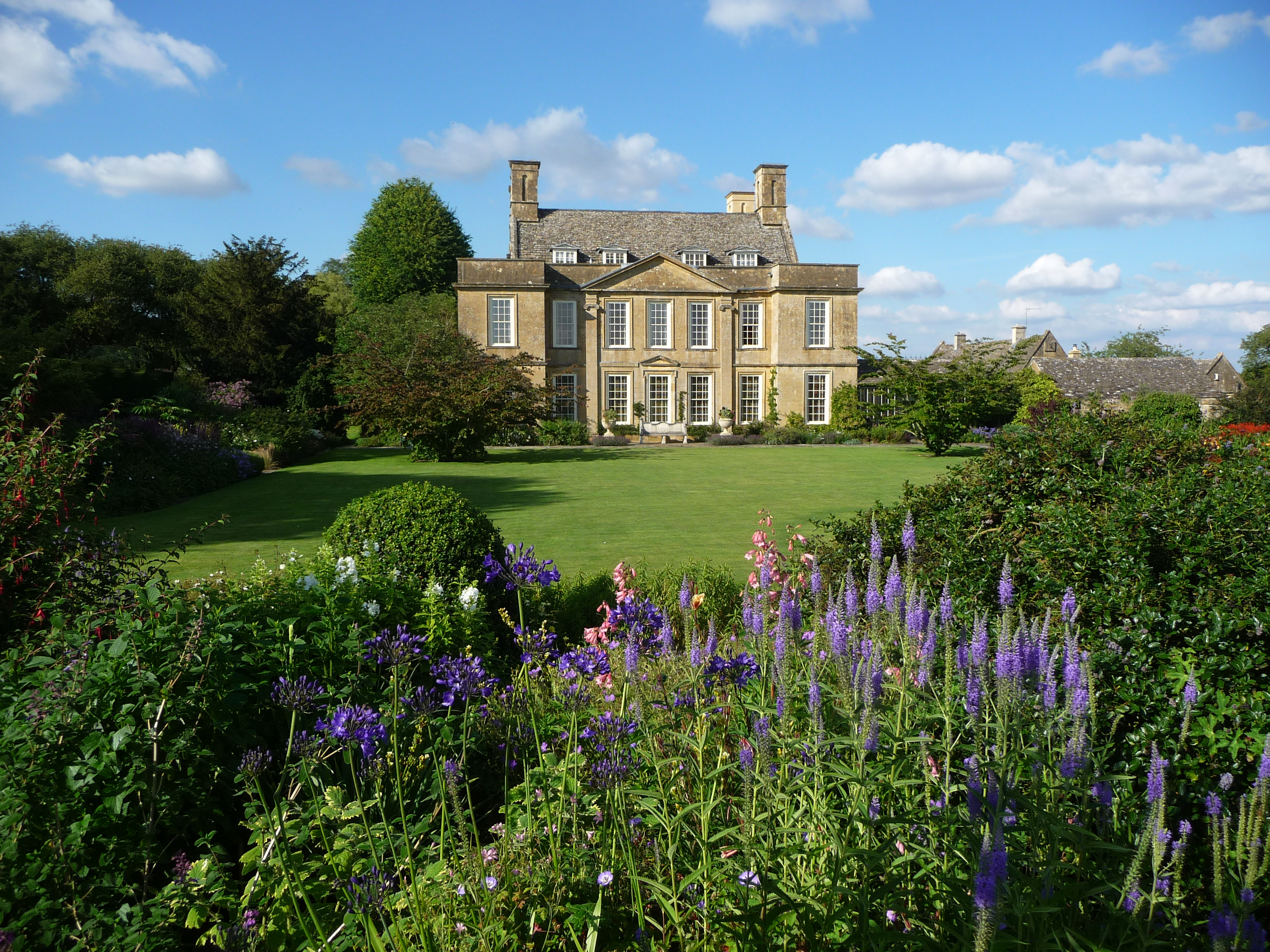Bourton House Garden - the Cotswolds